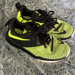 Nike Sneakers Boys Size 3.5